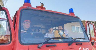 Geo Sting a sărbătorit Ziua Pompierilor împreună cu copiii de la Școala Conțești
