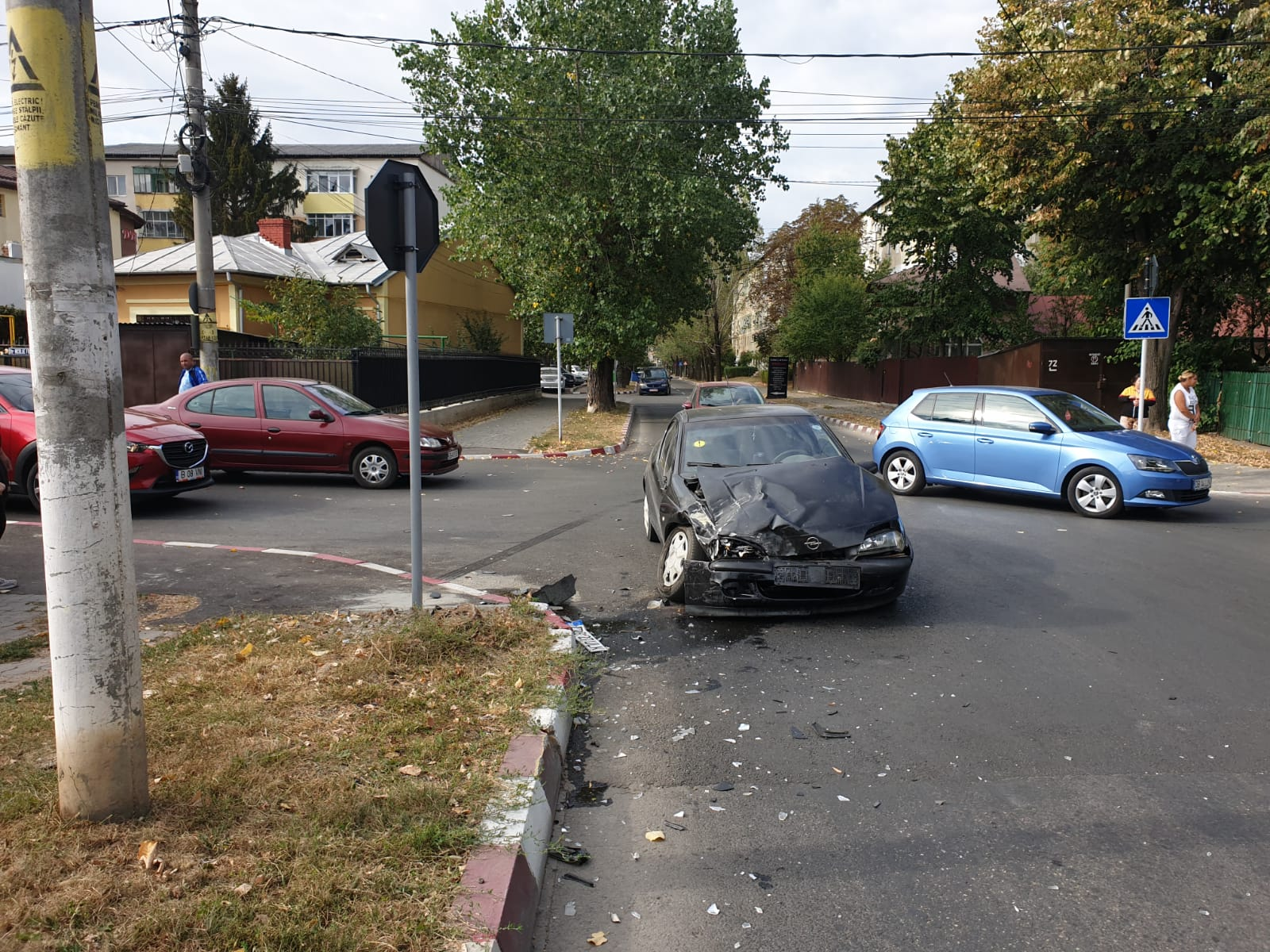 Conduceți cu grijă! Cinci accidente în mai puțin de o lună, în aceeași intersecție din municipiu