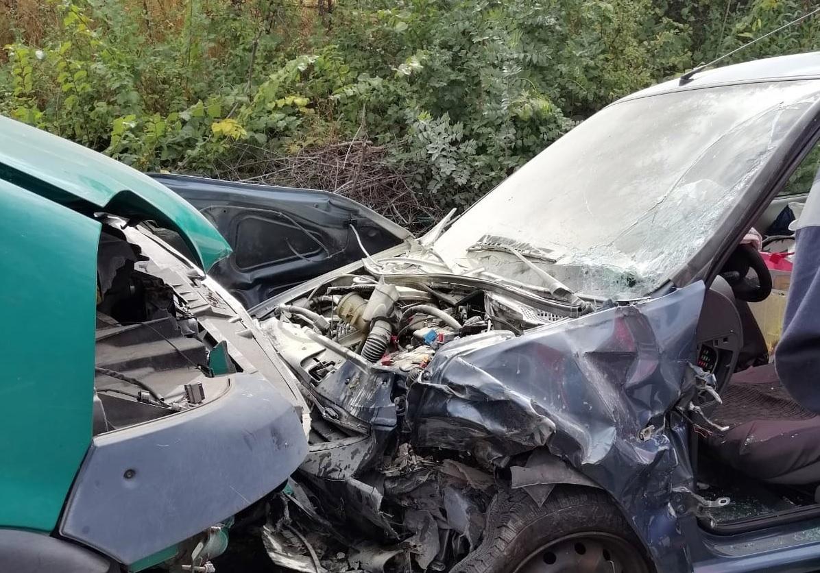 DN 72-MIJA: Accident cu 2 victime, o persoană încarcerată