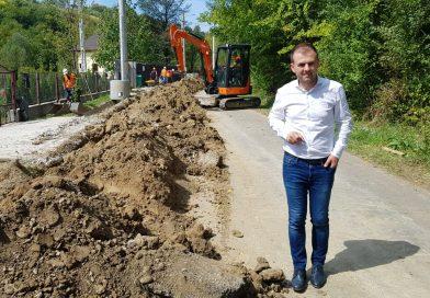 La Răzvad, continuă lucrările la rețeaua de canalizare