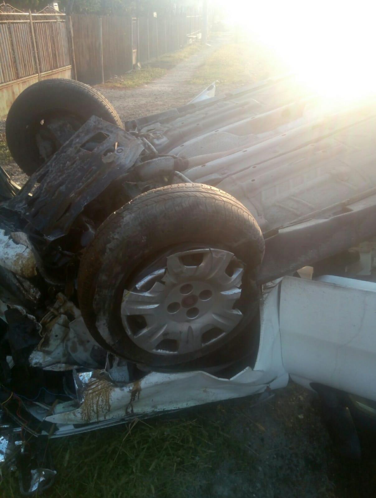 Răzvad: Accident spectaculos. O persoană a ajuns la spital