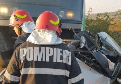 2 morți într-un accident la Săteni. Săgeata Albastră a spulberat o mașină