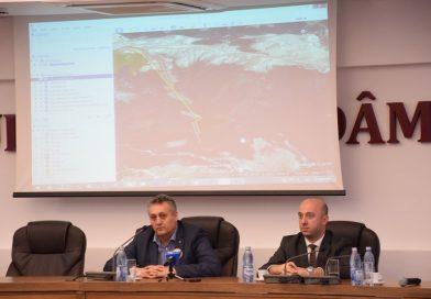 Dezbatere publică privind construirea domeniului schiabil din zona Padina-Peștera