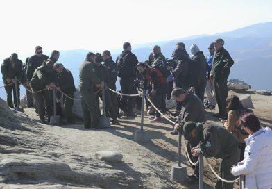 Gard, în jurul Sfinxului din Bucegi. Trupa Zdob si Zdub a luat parte la montarea acestuia