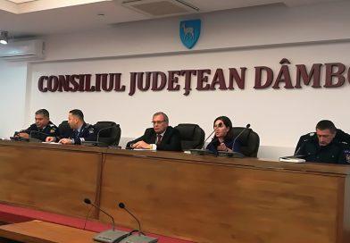 """Prefectul Antonel Jîjîie a fost felicitat """"la scenă deschisă"""" de ministrul de Interne, Marcel Vela"""