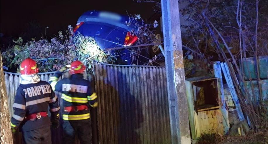 RĂZVAD: Accident spectaculos fără victime