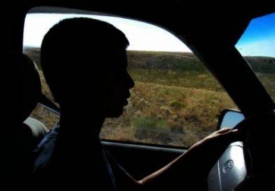 CONȚESTI: Minor depistat conducând un autovehicul