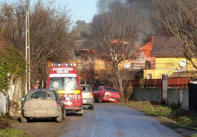 CONȚESTI: Incendiu violent într-o gospodărie