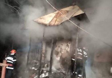 DÂMBOVIȚA: Profesor pensionar mort în incendiul care i-a cuprins casa