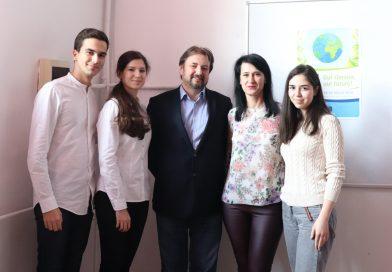 """C. N. """"Ienăchiță Văcărescu"""" singura școală din România care participă la Bruxelles, la evenimentul """"Your Europe, Your Say!"""""""
