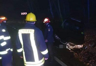 DÂMBOVIȚA:  Alertă Cod Galben de ceață și polei. O mașină a ieșit în decor