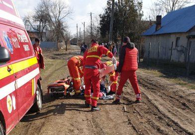 SMURD a intervenit la Butimanu pentru salvarea unui muncitor căzut de pe un imobil în construcţie