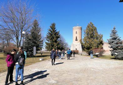 Turiști spanioli impresionați de istoria de la Curtea Domnească