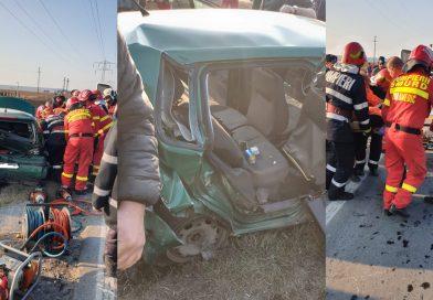 Descarcerarea a intervenit, la Ulmi! Trei mașini implicate într-un accident