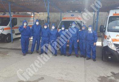ȘTIREA DE BINE: Combinezoane pentru Serviciul Județean de Ambulanță Dâmbovița, de la un atelier de creație