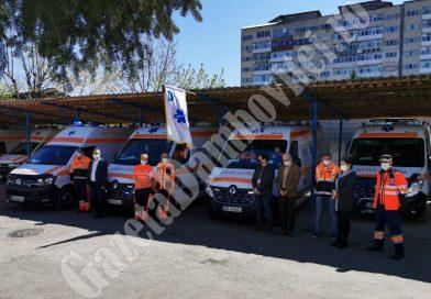 Ambulanțierii dâmbovițeni, omagiu colegului lor decedat de Covid-19 (VIDEO)