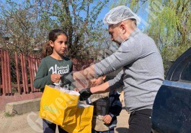 ȘTIREA DE BINE: Din copil sărac, antreprenor de succes! Acum împarte bucurii copiilor din satul lui
