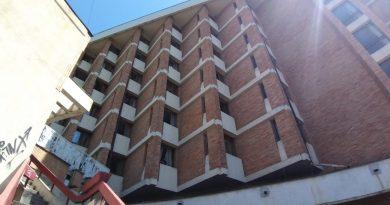 Statul plătește Hotelului Dâmbovița pentru carantinați, cât bugetul unei comune bogate. Un singur carantinat a fost pozitiv