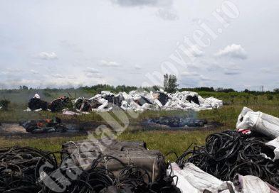 Romii din Mătăsaru se pregăteau să ardă 50mc de deșeuri. Autoritățile le-au stricat afacerea