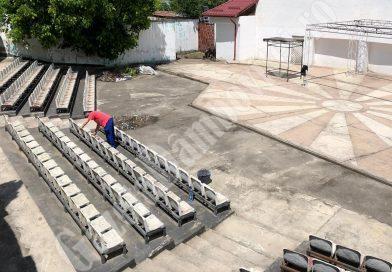 TÂRGOVIȘTE: Covid-19 redeschide Teatrul de Vară, în ruină din anii 2000