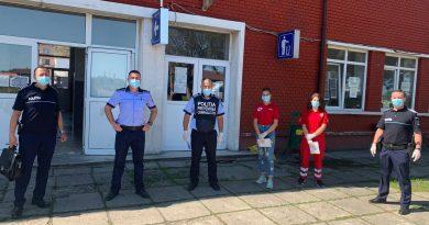Activitate de informare și prevenție desfășurată de polițiști și Crucea Roșie Dâmbovița