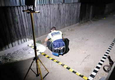 VĂCĂREȘTI: Unul dintre polițiștii agresați și-a pierdut degetele de la o mână în atacul cu coasa