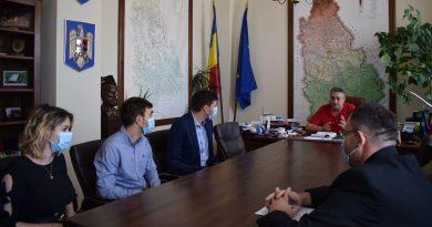 CJD: S-a semnat contractul pentru execuția lucrărilor laDJ 711 Ulmi – Comișani – Băleni (16 km)
