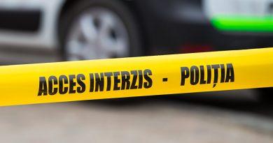 DÂMBOVIȚA: Un bărbat care amenința că se sinucide, imobilizat de polițiști