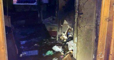 Incendiu pe strada Laminorului din Târgoviște, din cauza unor lumânări nesupravegheate