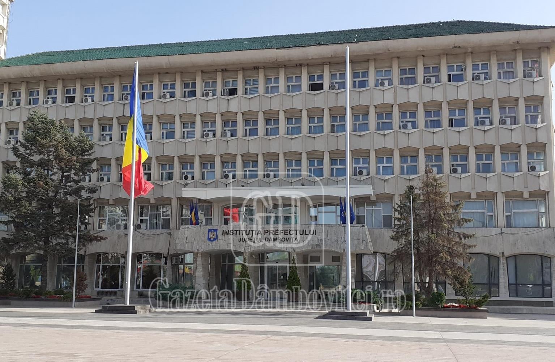 Toate școlile din Târgoviște trec la cursuri on line. Alte decizii ale CJSU după intrarea în zona roșie