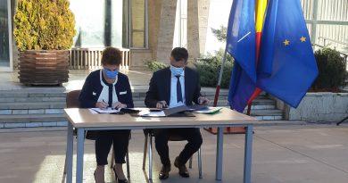 Secretarul de stat din Ministerul Fondurilor Europene, Carmen Moraru a semnat astăzi ,,contractul prealabil cu Compania de Apă Târgoviște''