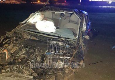 PETREȘTI: O șoferiță, vitezomană, s-a răsturnat cu mașina într-o curbă