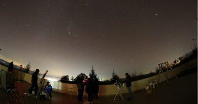 Cu ochii spre stele – 25 de tineri au învățat astronomie și fotografie la Runcu
