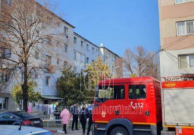 GĂEȘTI: Locatarii unui bloc, evacuați după ce în imobil s-a simțit miros de gaze