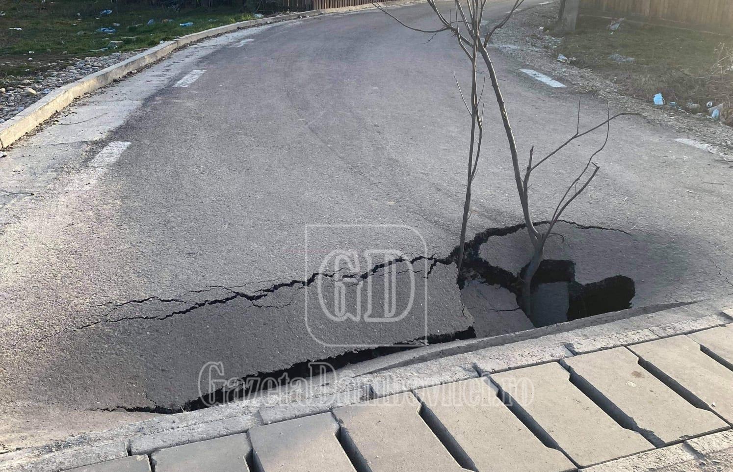 De la cititori – NICULEȘTI: Un drum s-a surpat la câteva luni de la asfaltarea lui