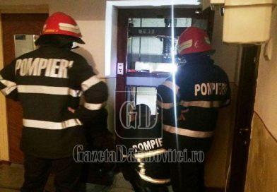 Pompierii târgovișteni, intervenție pentru scoaterea unei persoane dintr-un lift blocat
