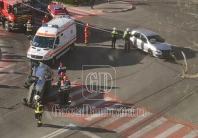 Duster răsturnat într-o intersecție din municipiul Târgoviște