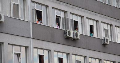 Personalul medical și pacienții Spitalului Județean Târgoviște, spectatorii unui concert dedicat lor