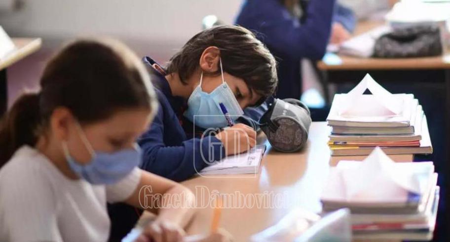 3 199 de elevi dâmbovițeni vor susține examenul de Evaluare Națională. Calendarul și regulile de desfășurare