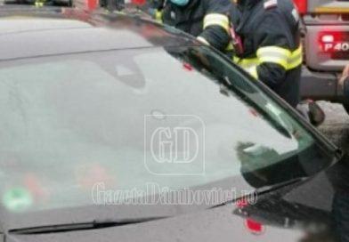 TÂRGOVIȘTE: Intervenție pentru scoaterea unui copil dintr-o mașină