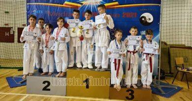 KARATE: Tinerii karateka de la CS Kidava au venit triumfători de la Mediaș