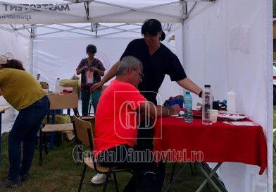 Turiștii care au urcat în weekend la munte au avut la dispoziție și un centru mobil de vaccinare