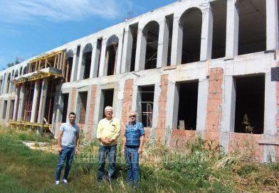 La Sălcioara se construiește o școală cum rar vezi în mediul rural – GALERIE FOTO