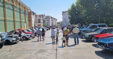 GALERIE FOTO – Parada Mașinilor de Epocă a fost din nou organizată la Titu