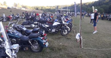 Comunitatea moto BlackHelmets s-a întâlnit la Mănești