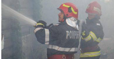 Incendiu izbucnit la o casă din Fierbinți. O persoană a suferit un atac de panică