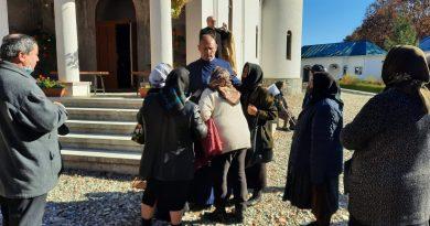 Cu Dumnezeu înainte! Comunitatea sârbilor cere Arhiepiscopiei Târgoviște să ierte și să le redea duhovnicul
